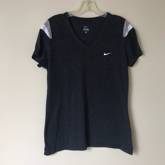 Nike Tops - Nike Women's V-Neck Color Block Tee - L